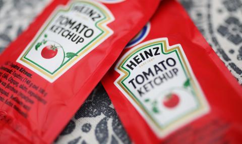 W amerykańskich restauracjach brakuje keczupu. Firma Heinz obiecuje pomoc