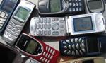 Klasyczne komórki nie znikną z oferty telekomów