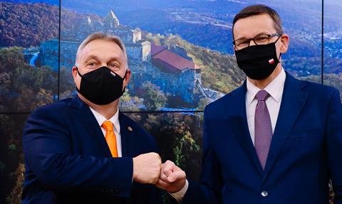 Morawiecki i Orban przed szczytem UE: równe płace kobiet i mężczyzn to nasz priorytet