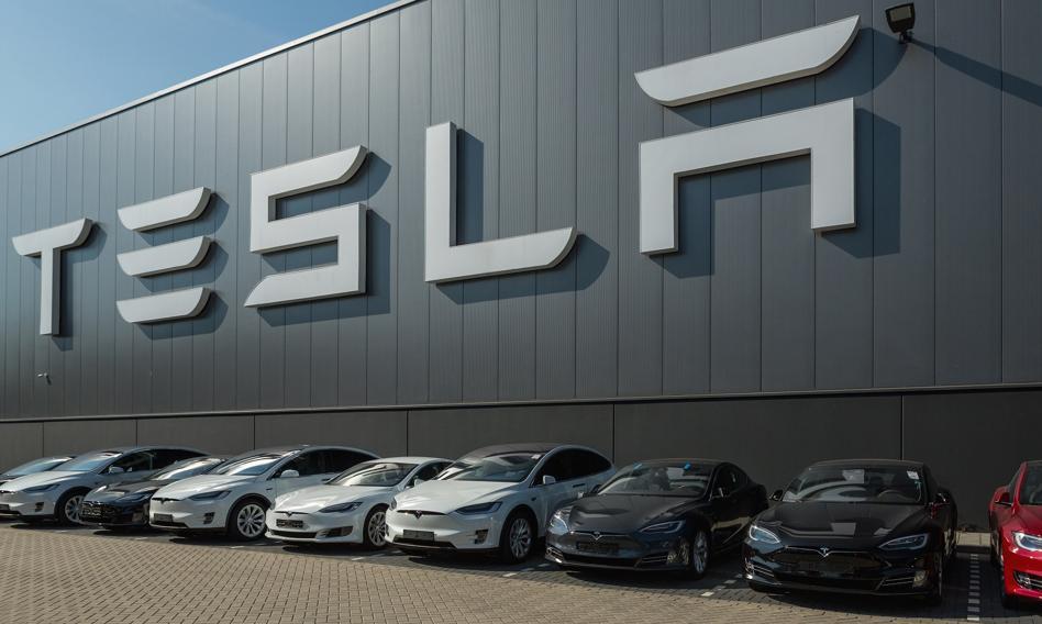 Tesla z nieoczekiwanym zyskiem. Akcje wciąż w górę