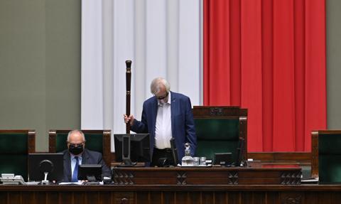 """Sejm uczcił rolę kobiet w rewolucji lat 80. """"Ich bohaterstwu i determinacji zawdzięczamy dziś wolną Polskę"""""""
