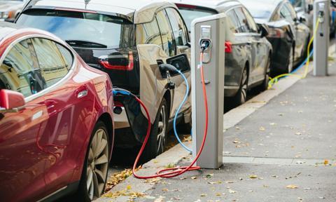 Lorkowski: Wnioskowanie o dopłaty do zakupu elektryków będzie szybkie i proste