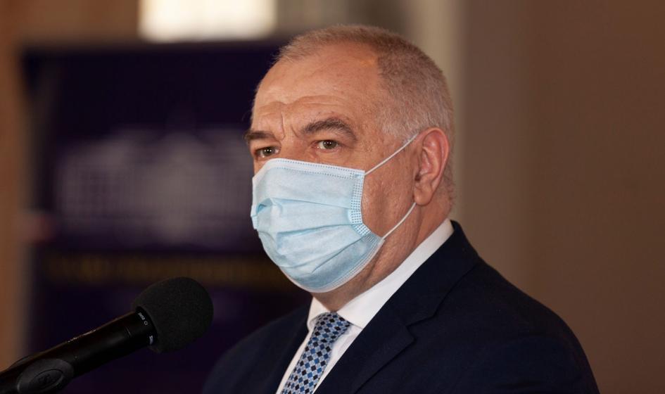 Sasin po pobycie w szpitalu: Koronawirus to zdradliwa choroba