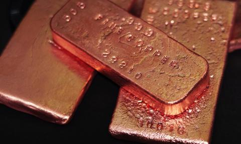 Goldman Sachs: Miedź może podrożeć do 15 tys. dolarów za tonę