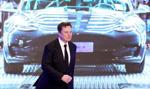 """""""Podzielona"""" Tesla wciąż drożeje. Musk goni Gatesa"""