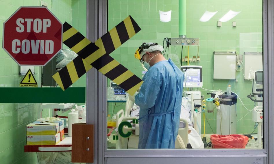 Trzy osoby bez maseczek wtargnęły do szpitala. Sprawą zajmie się prokuratura