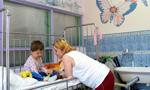 Komisja sejmowa: Pobyt rodziców w szpitalu ma być bezpłatny