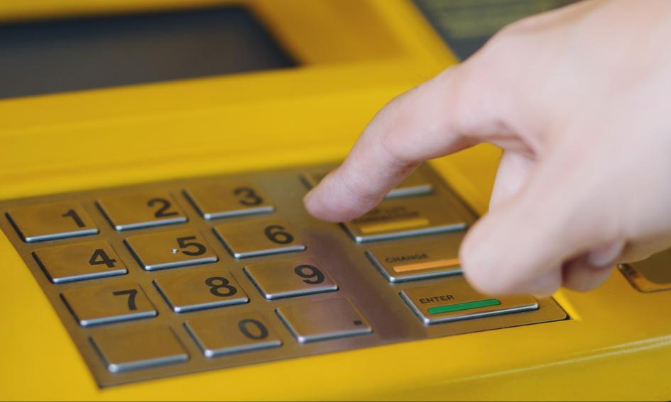 Darmowe bankomaty za granicą i w Polsce. Oferty banków i konta