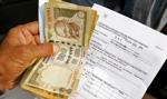 Indie: wycofanie banknotów przeciążyło systemy kart płatniczych