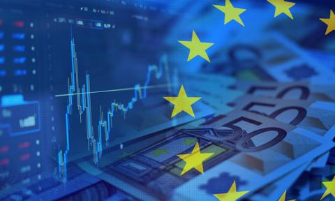 Kurs euro najniższy od ponad miesiąca. Dolar najtańszy od lutego