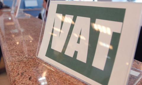 Projekt, który odroczy powrót stawek VAT 22 proc. i 7 proc., trafi do komisji