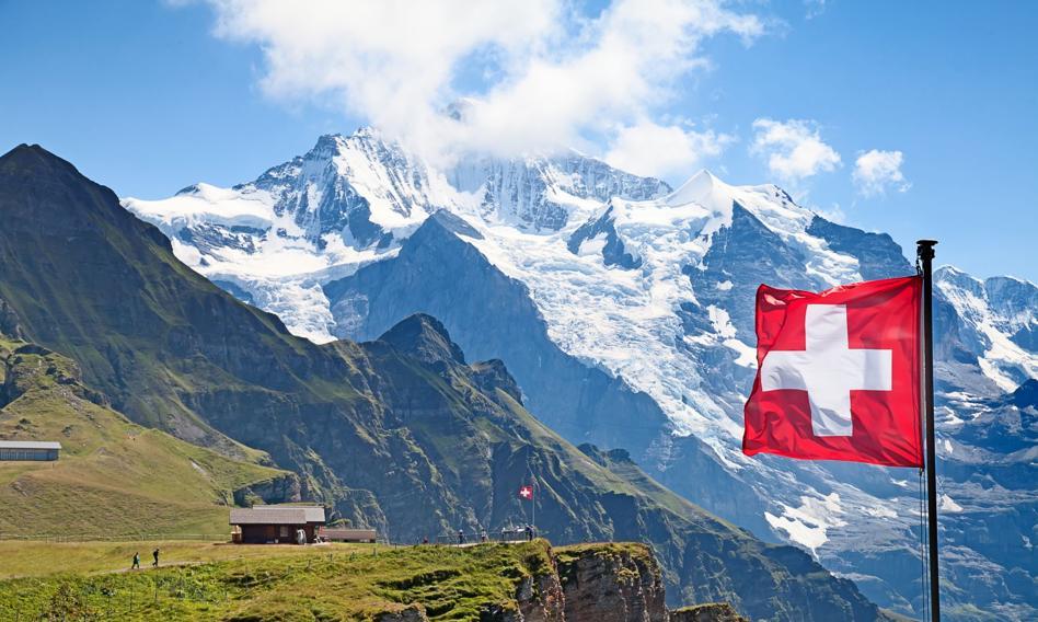 Szwajcarskie paszporty szczepień przeciw Covid-19 będą uznawane w UE