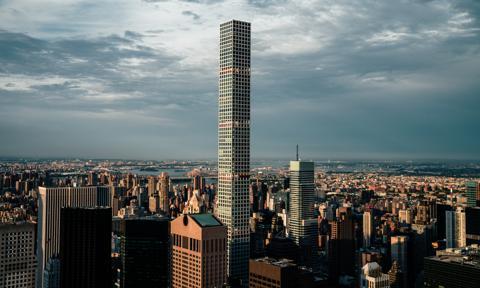 Nowojorski wieżowiec bublem? Mieszkańcy: To szklana- śmiertelna- pułapka