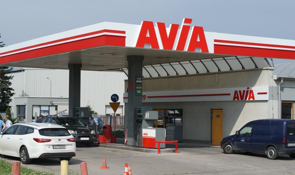 Unimot otwiera 6 stacji Avia. Na koniec wakacji chce ich mieć 80
