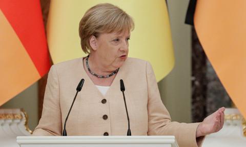 Merkel: opowiemy się za nowymi sankcjami, jeśli Rosja spróbuje wykorzystać NS2 jako broń