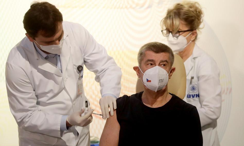 W Czechach pierwszą osobą zaszczepioną jest premier Babisz