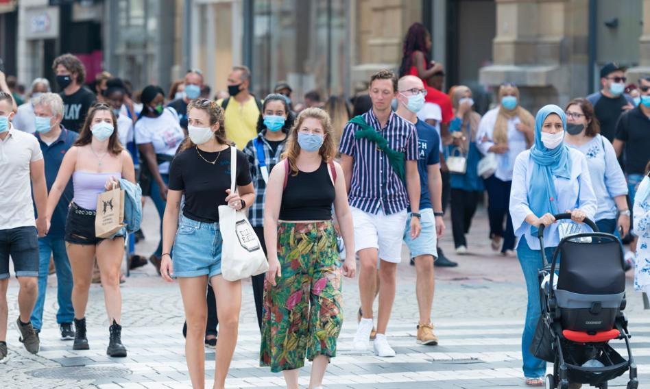 Naukowcy najlepiej ocenianą przez Polaków grupą zawodową walczącą z pandemią