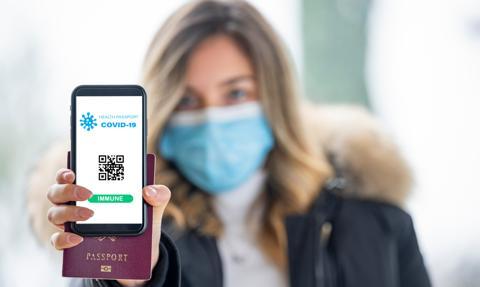 Polska współpracuje z Unią, by wprowadzić paszport covidowy