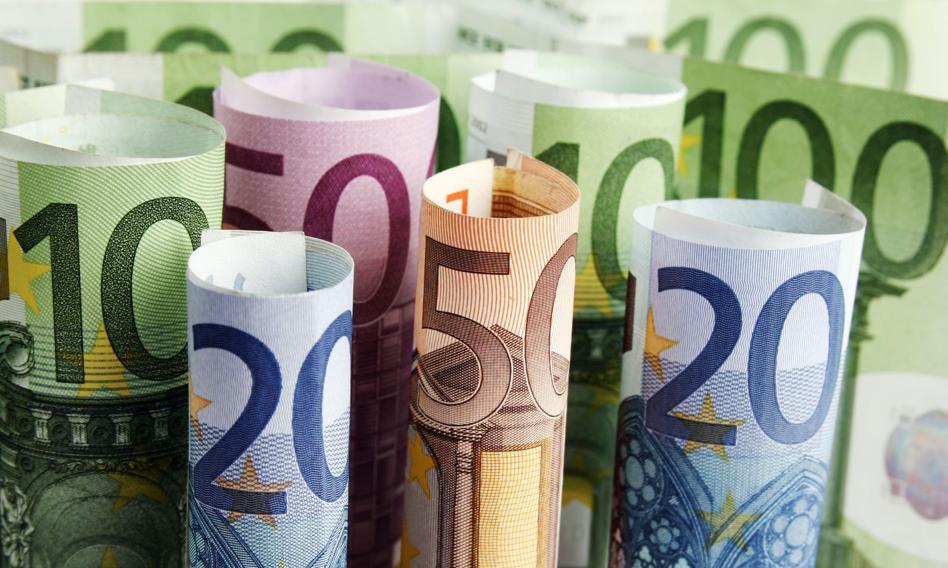 Kurs euro poniżej 4,57 zł. Kurz po RPP opada
