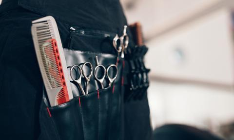 Podejrzenie przestępstwa łapownictwa wyborczego - zniżki u fryzjera