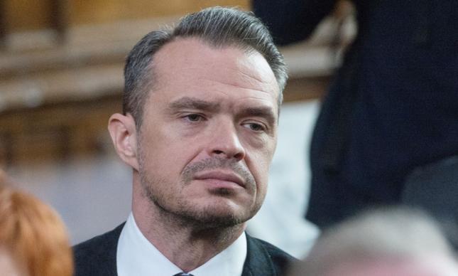 """Sławomir Nowak krytykuje decyzję prokuratury ws. """"stodoły"""" ministra Szyszki"""