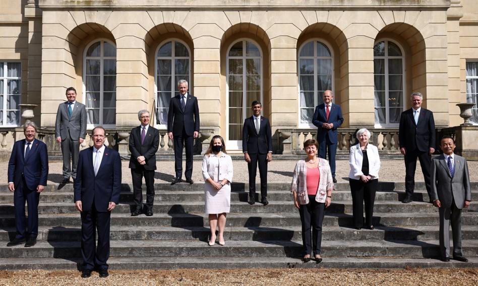 """""""Historyczne"""" porozumienie G7 w sprawie globalnego podatku od korporacji"""