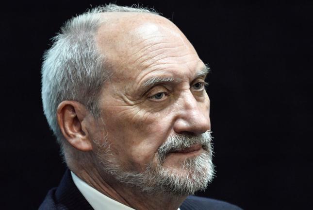 Macierewicz: Będziemy dążyć do jak najszybszego zawarcia umów na śmigłowce