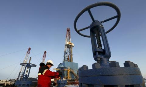 Na rynkach paliw coraz wyższe ceny WTI i Brent