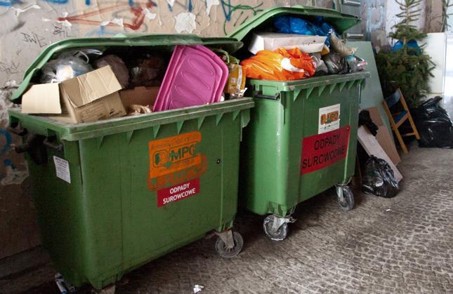 Warszawa: branża śmieciowa protestuje przeciwko zmianom ws. odbioru odpadów