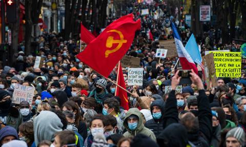 Demonstracje we Francji przeciwko ustawie o globalnym bezpieczeństwie