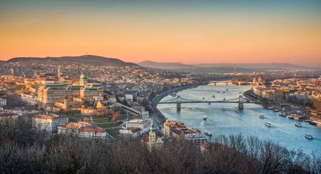 Szijjarto: Ataki na Węgry pogłębiają kryzys w Europie