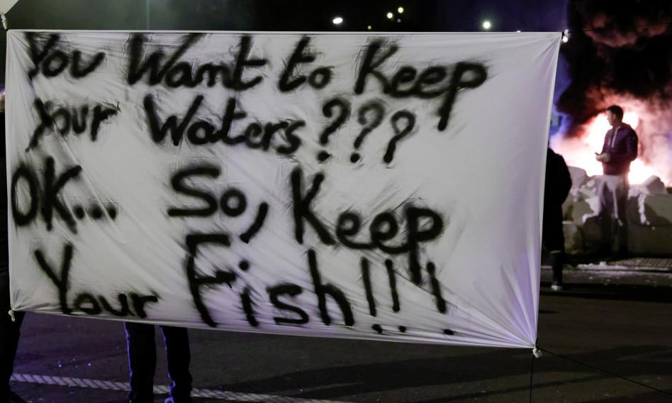 Francuscy rybacy blokują brytyjskie ciężarówki przewożące ryby