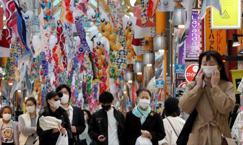 Japonia łagodzi ograniczenia wjazdu dla cudzoziemców, ale nie dla turystów