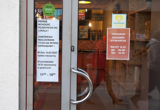 Restauracje stawiają na jedzenie na wynos, aby ograniczyć skutki epidemii