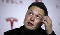 Elon Musk tweetuje z kosmosu. Starlink już działa