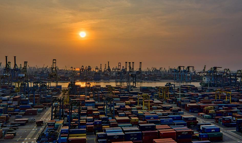 Badanie EBC studzi nadzieje na przetasowania w światowym handlu