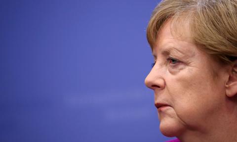 Merkel za wprowadzeniem opłat za emisję CO2