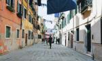 Włoszka przewróciła się na chodniku. Burmistrz musi zapłacić karę