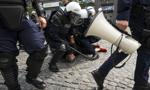 Kamienie, petardy, pobicia. Policja zatrzymała 25 osób po wydarzeniach w Białymstoku