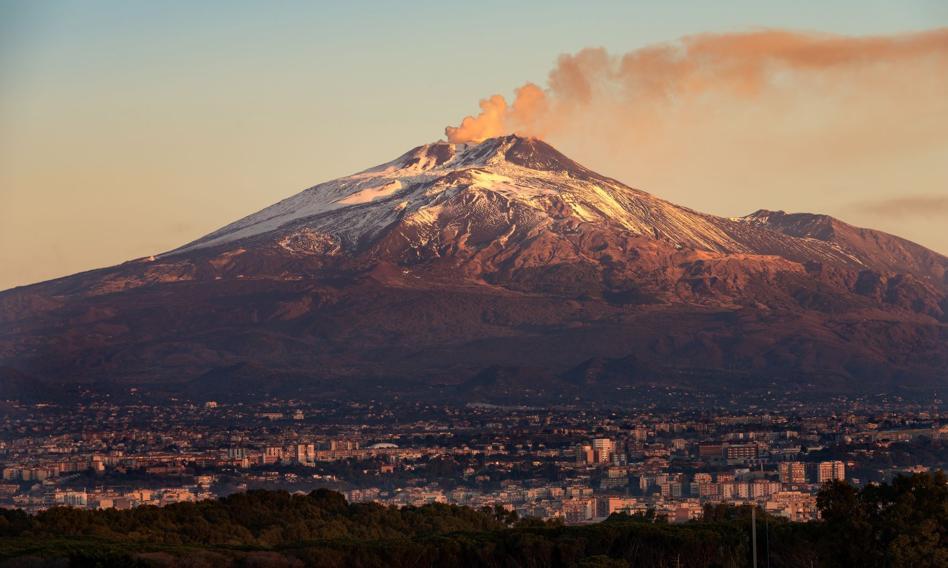 Wulkan Etna urósł o 37 metrów