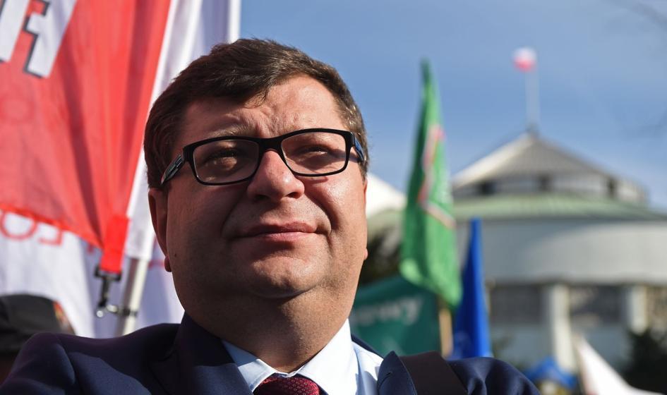 Kolejny akt oskarżenia przeciwko Zbigniewowi Stonodze. Pieniądze fundacji miał wydać na kasyno