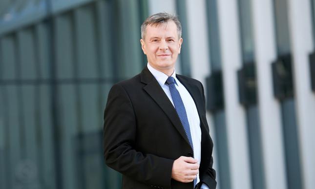 Prezes Credit Agricole Bank Polska Piotr Kwiatkowski