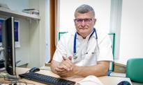 Grzesiowski: Trzeba zorganizować szpitale w szkołach, salach gimnastycznych, na halach targowych