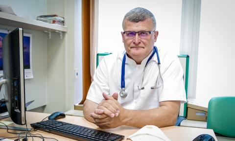Doktor Paweł Grzesiowski stracił pracę za krytykę sposobu walki z pandemią przez polski rząd
