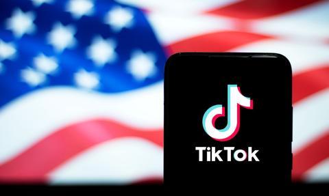Od niedzieli zakaz pobierania TikToka i WeChata w USA