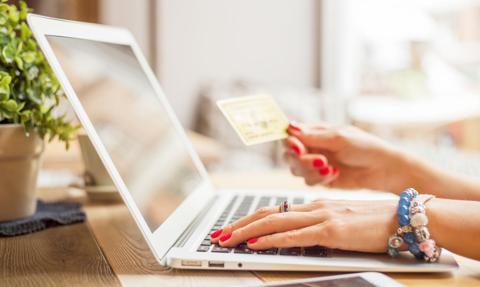 Analitycy: Spadek zagranicznych zakupów on-line m.in za sprawą najzamożniejszych Polaków