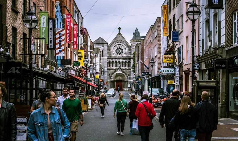 Po 4,5 miesiącach przerwy znów otwarto sklepy w Irlandii