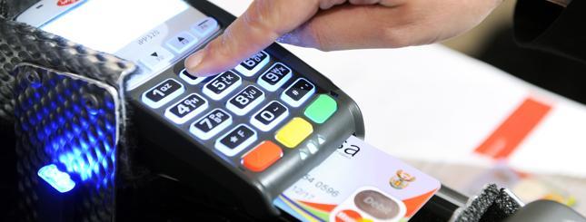 """Sklepy promują płatność kartą. 29 lutego rusza loteria """"Przesiądź się na kartę"""""""