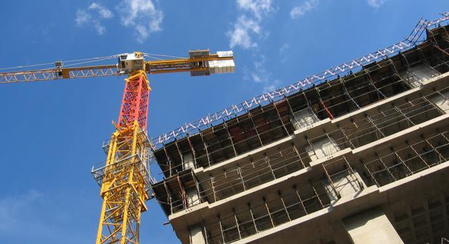 Deweloperzy: Mieszkania drogie przez przepisy