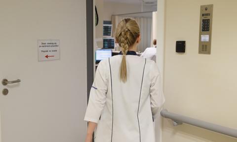 Samorządy zawodów medycznych apelują do prezydenta o niepodpisywanie ustawy o kadrach